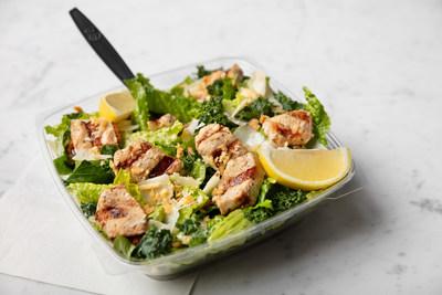 Lemon Kale Caesar Salad se une al menú de Chick-fil-A por tiempo limitado en los restaurantes participantes nacionales, a partir del 26 de abril.