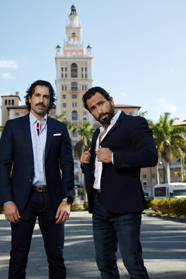 Rodrigo De Ovando y el fundador de 54D Rodrigo Garduño en el centro de Coral Gables, fueron reconocidos por la ciudad de Coral Gables por sus contribuciones a la comunidad.