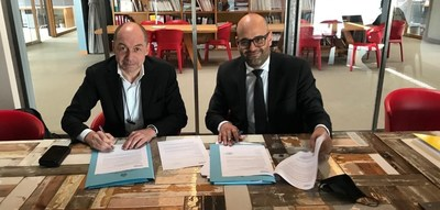 Renato Grottola, VP and Global Innovation & Growth Director in DNV (left) and Roberto Ciavatta, Secretary of State, Ministry of Health and Social Security, Republic of San Marino (right)